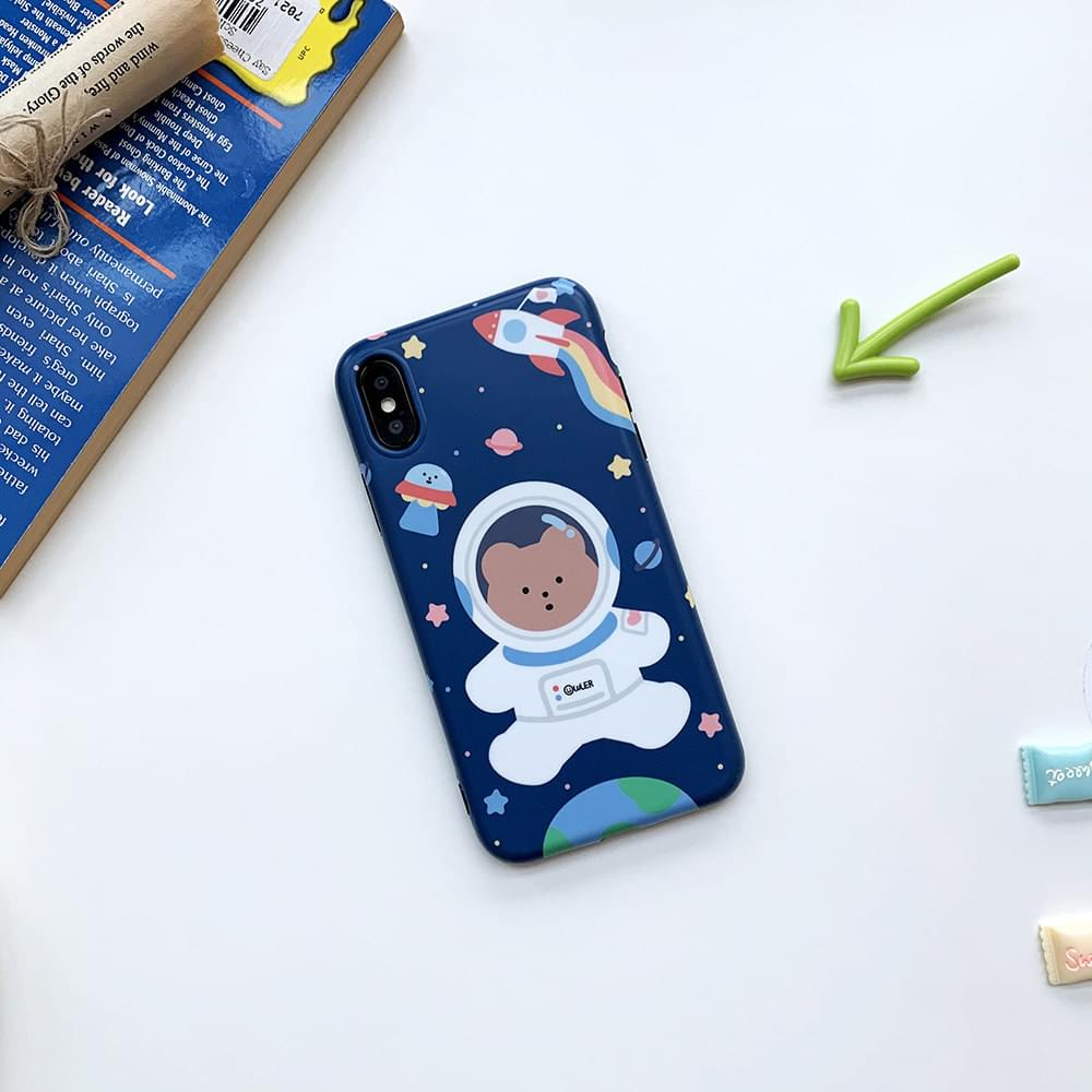 Astronaut Winnie the Matte Jelly iPhone Case