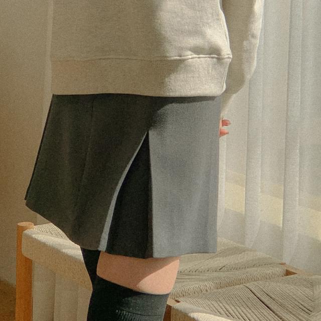 Plan A line pintuck mini skirt
