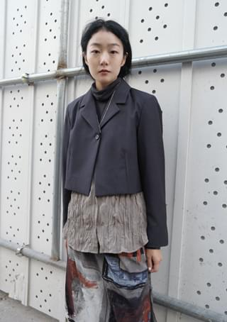 one button cropped jacket
