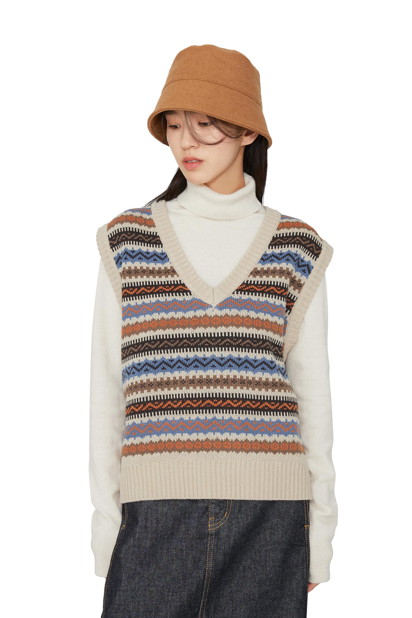 Wea pattern V-neck knit vest