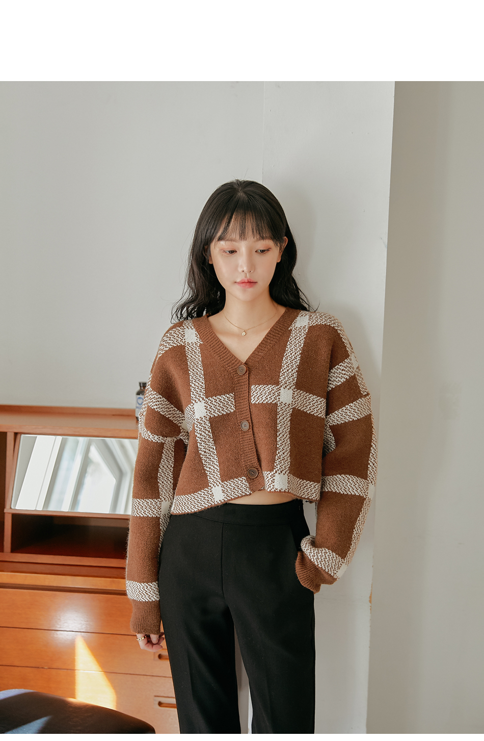 MEROA CHECK CROP CARDIGAN