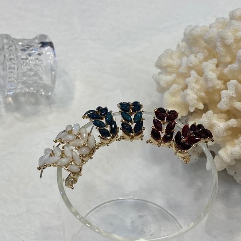 Noi crystal flower nickel-free needle earrings