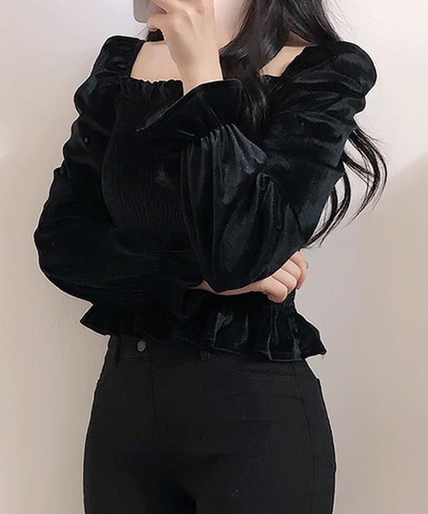 Uni-velvet smoked blouse