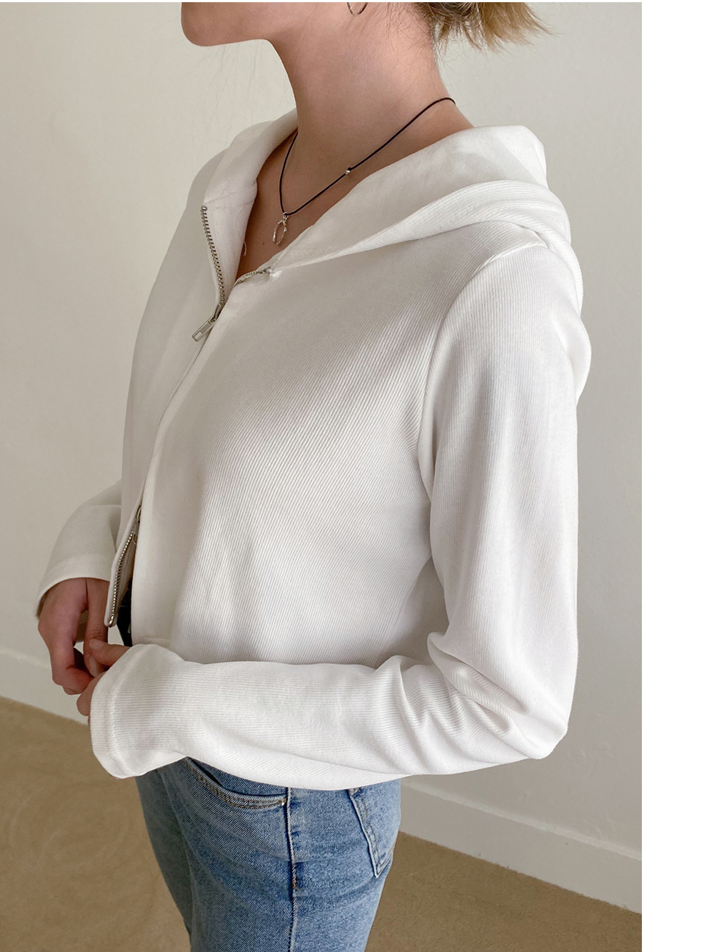 Dalo two-way hooded zip up