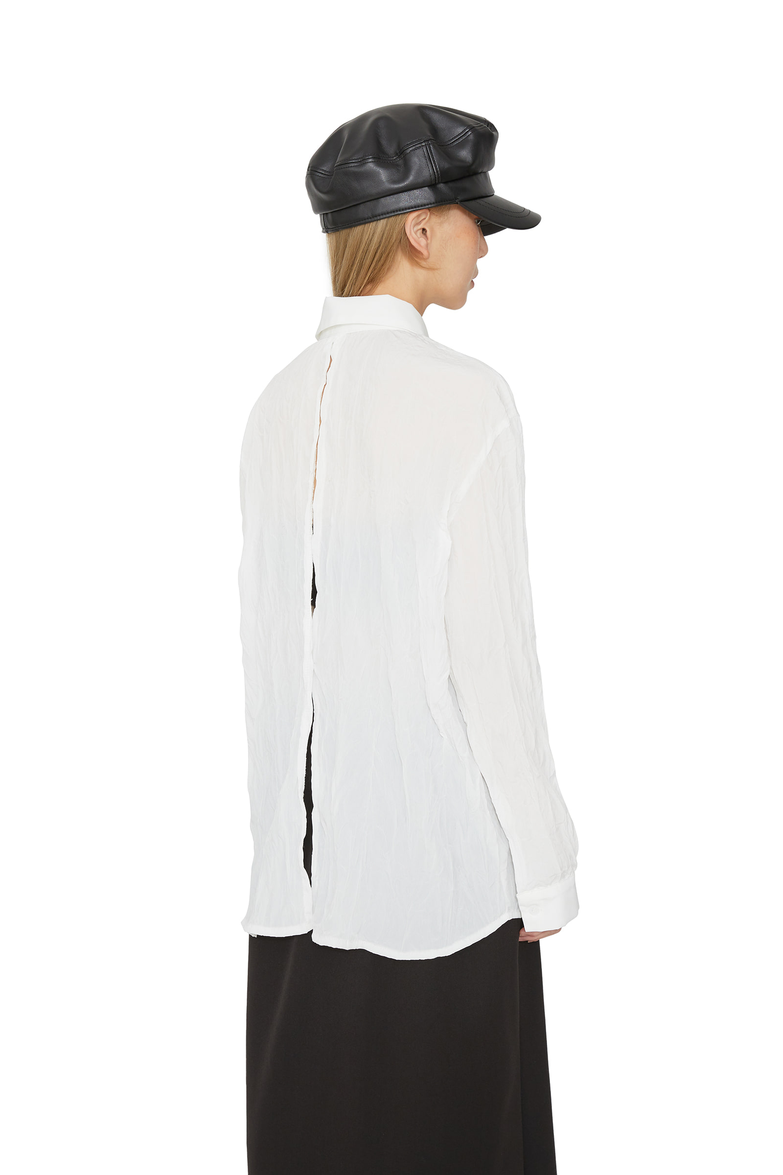 Loa back slit wrinkled shirt