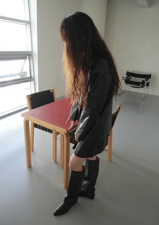 half pleats fake leather skirt