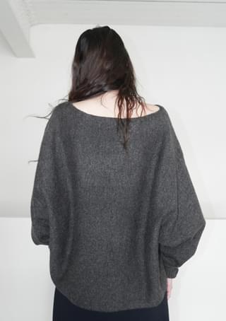 quiet heavy wool knit