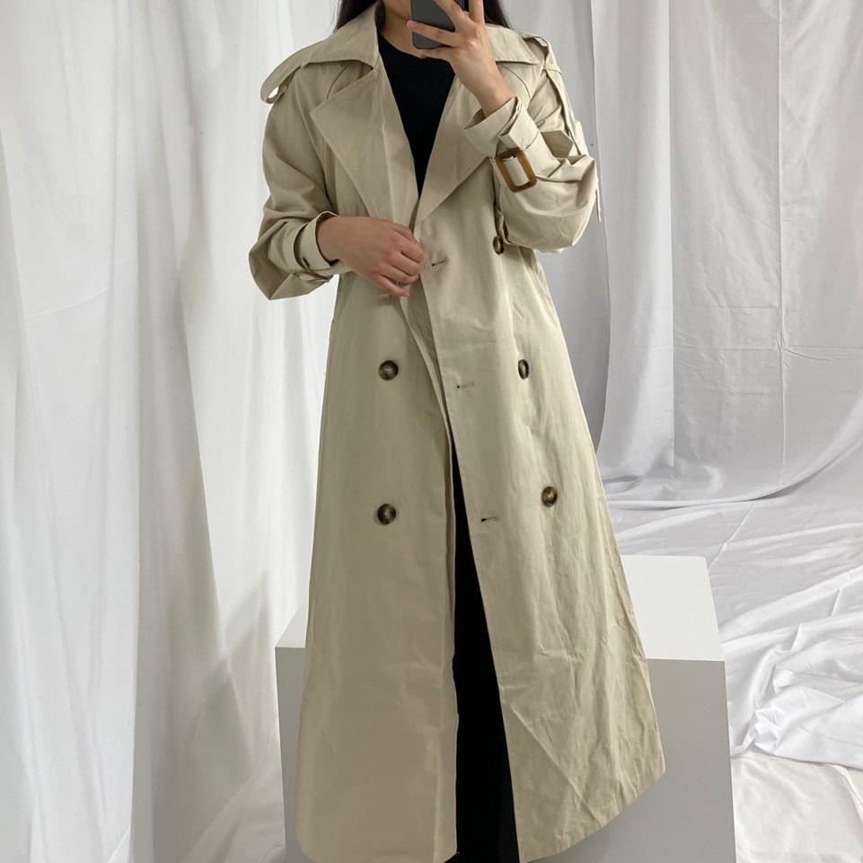 Click trench coat