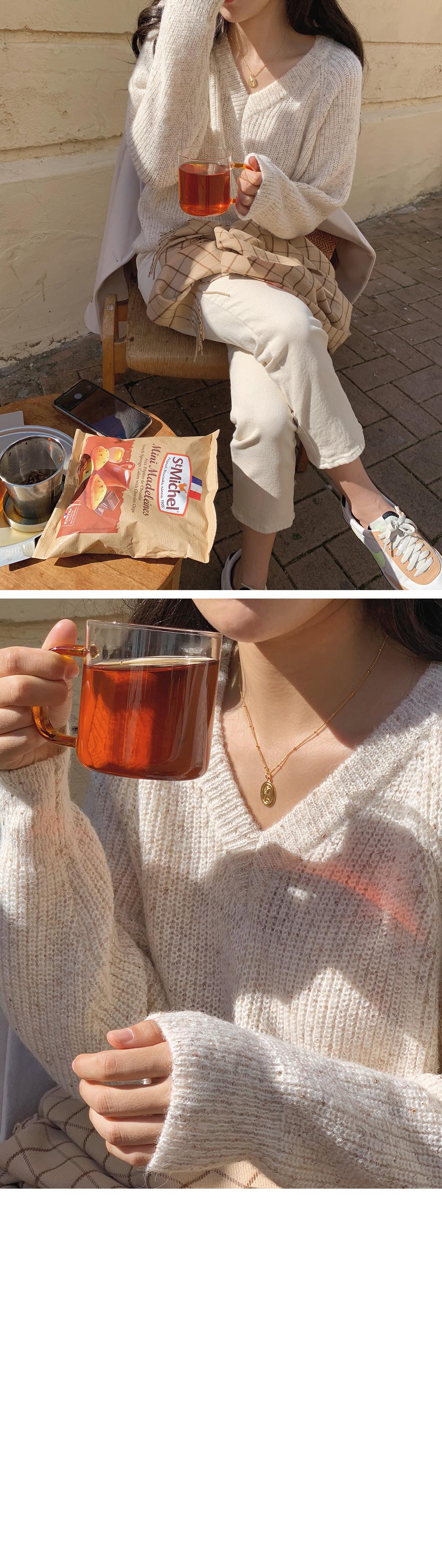 Mohair V-neck Popcorn Knit