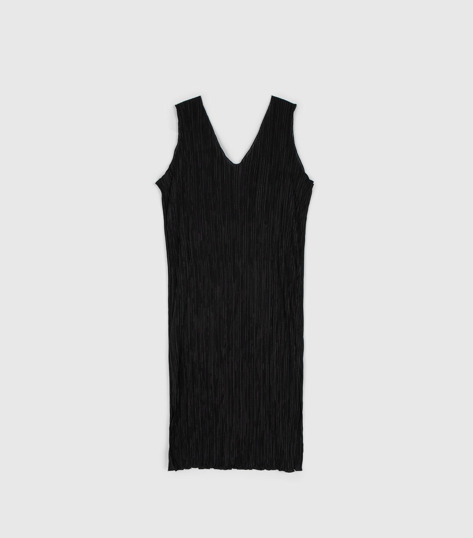 Stay pleated midi dress