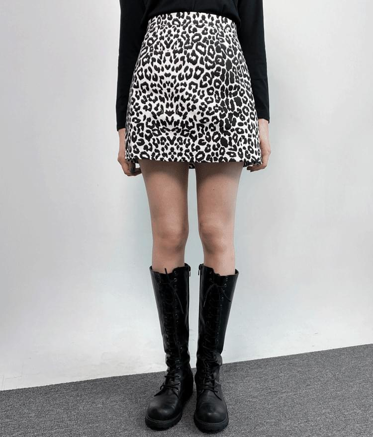 Leopard mini skirt 裙子