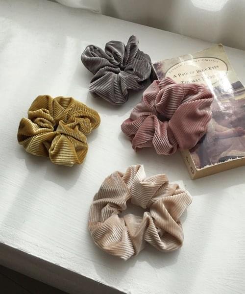 velvet scrunchie 配飾