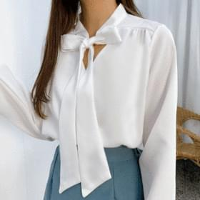 Tie knotted blouse 襯衫