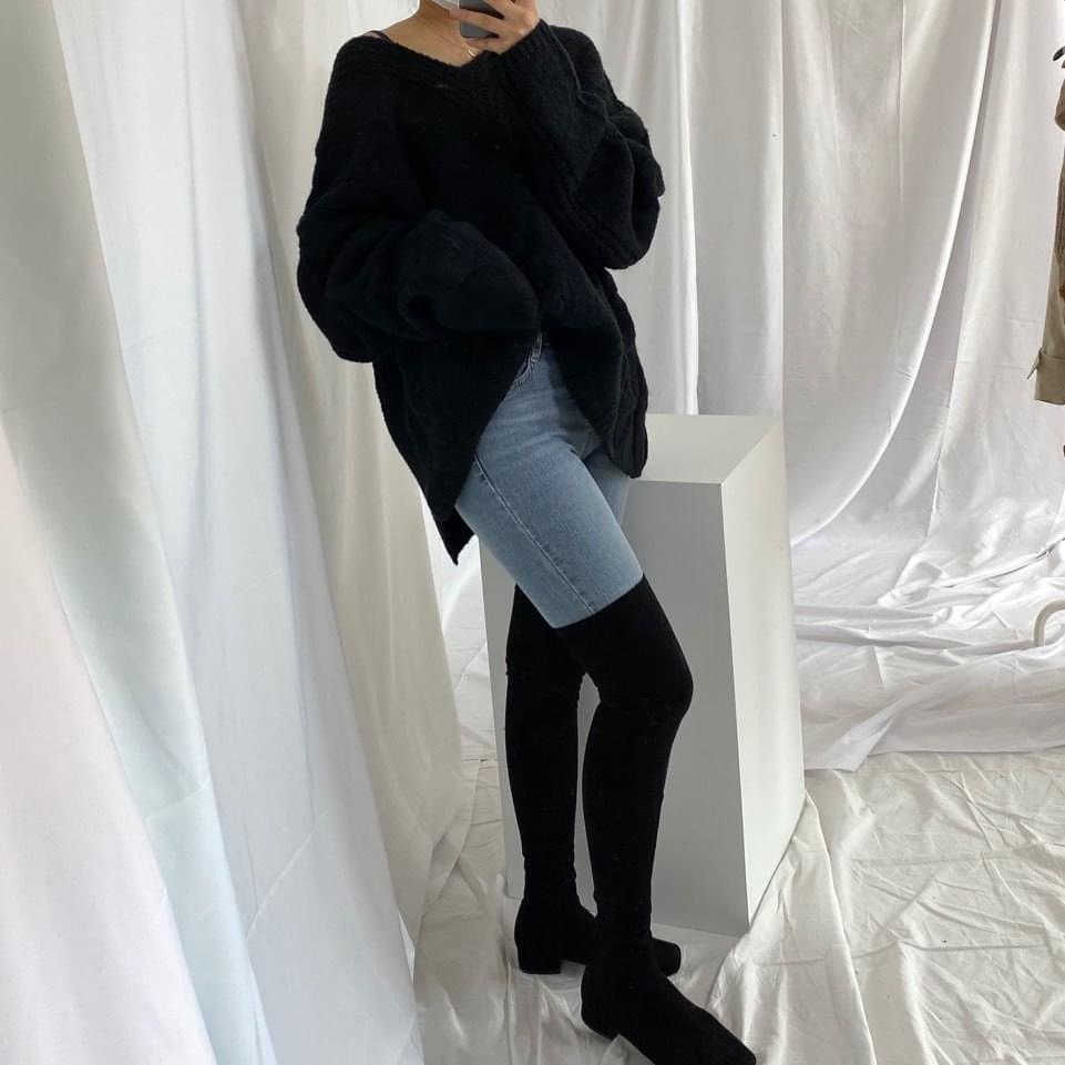 Overfit Wool V-Neck Knit