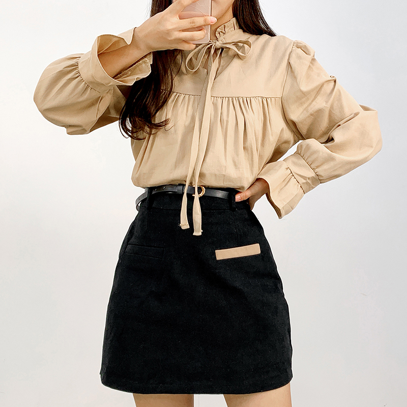 Double-sided tie frill blouse