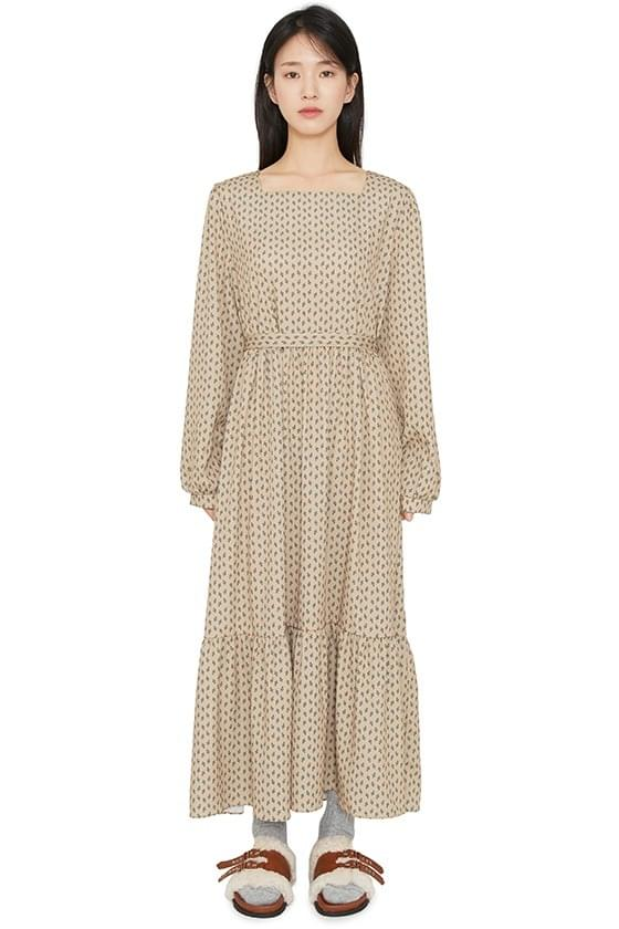 Fall-in square maxi dress