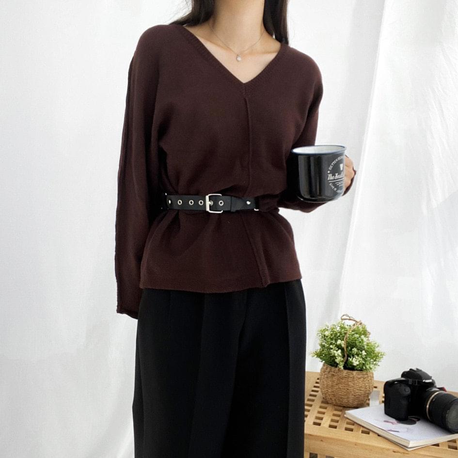 Belted V-neck knit ニット