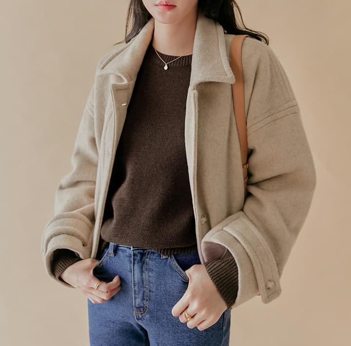 翻領混色釦微短版羊毛外套