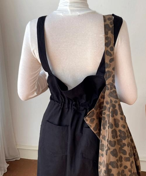 String pocket suspenders dress
