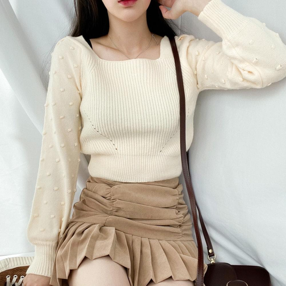 Popcorn Ribbon Square Neck Knit