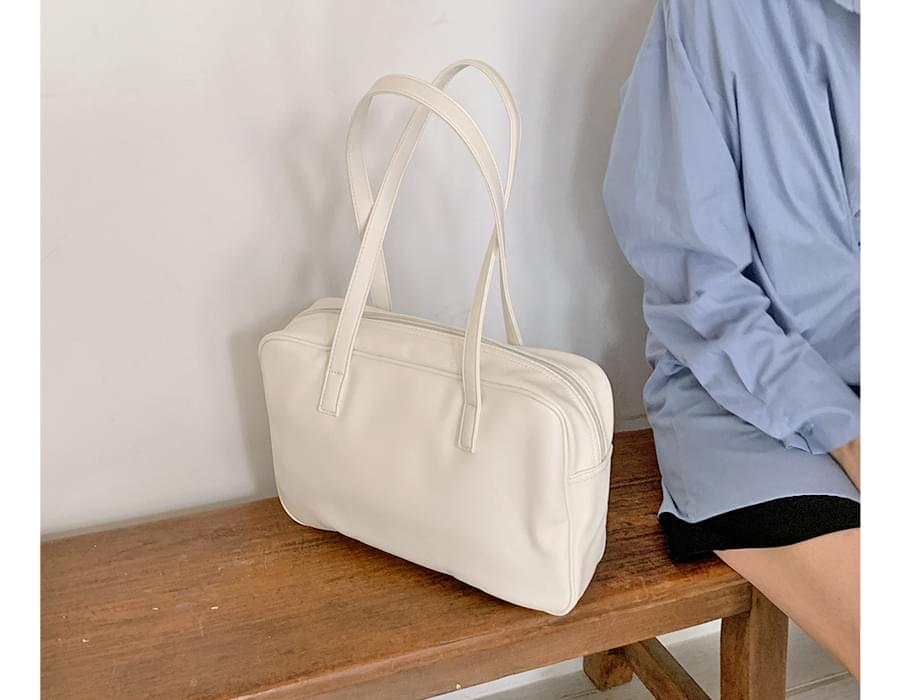 Bread square shoulder bag 肩背包