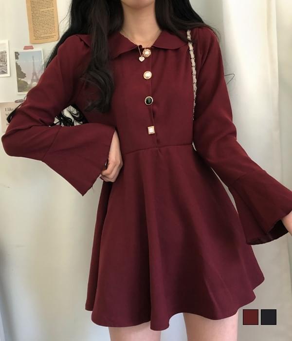 Holing Jewel Button Trumpet Sleeve Mini Dress 迷你短洋裝