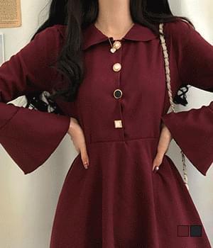 Holing Jewel Button Trumpet Sleeve Mini Dress 洋裝
