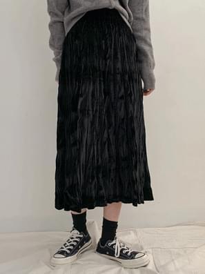 Velvet wrinkled long skirt