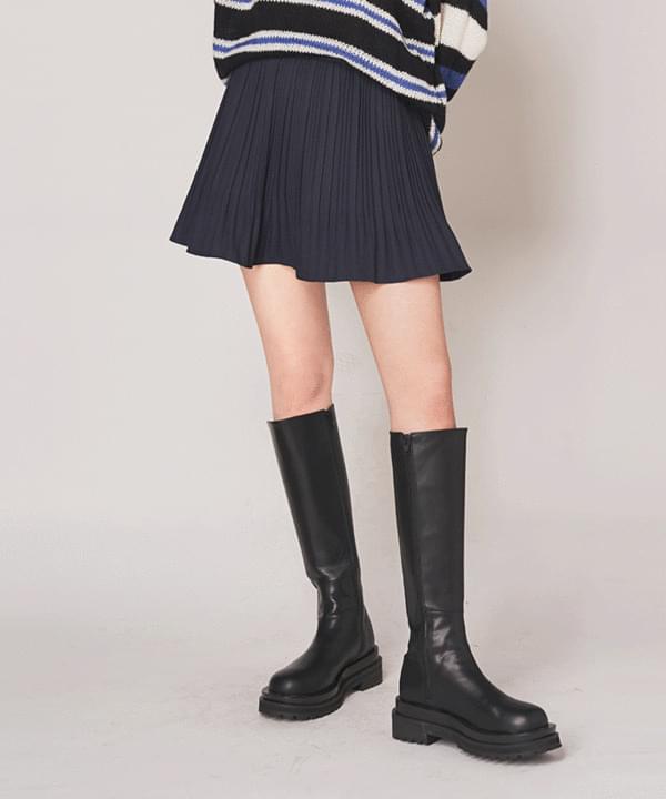 Half pleated skirt pants