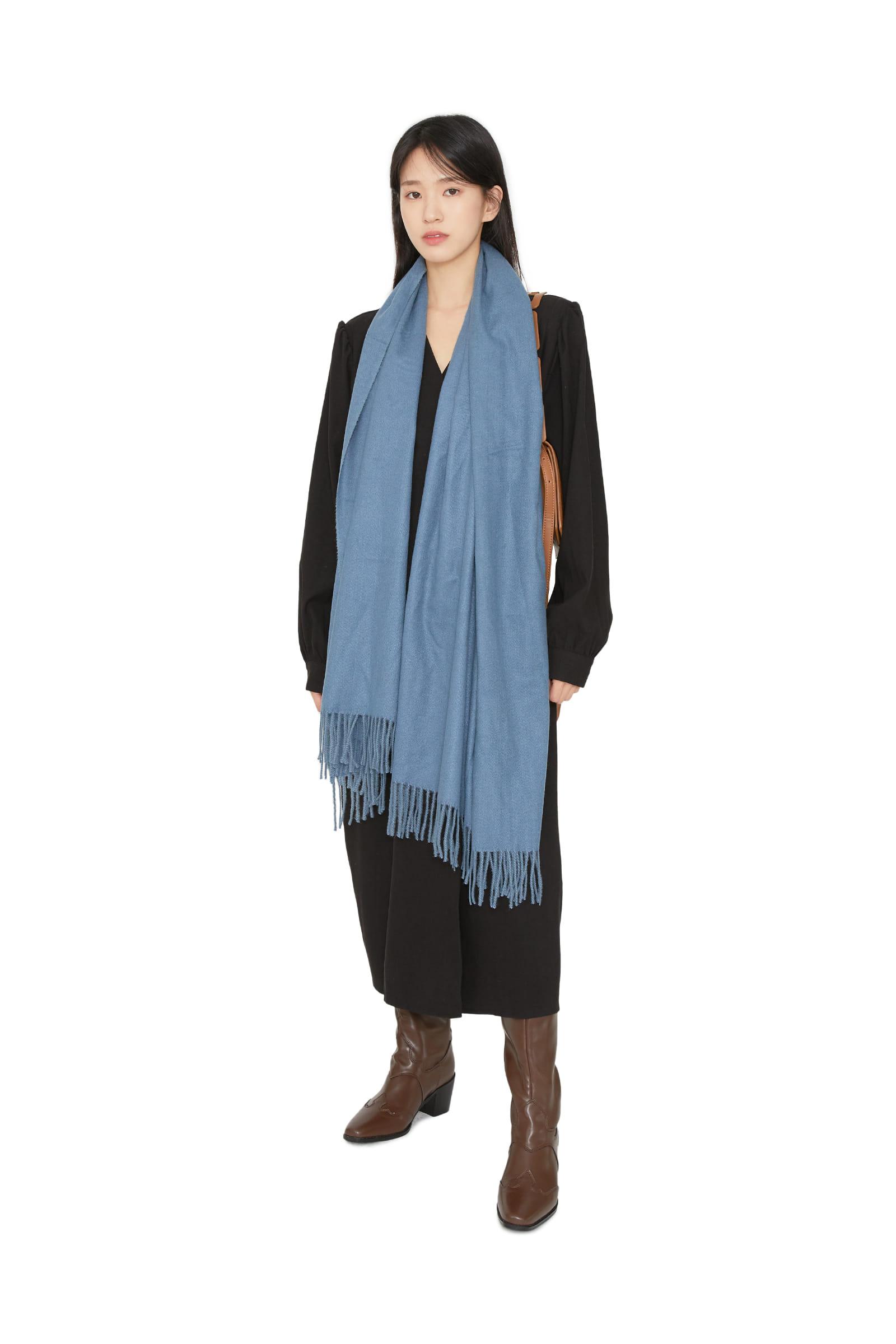 Soft autumn tassel scarf