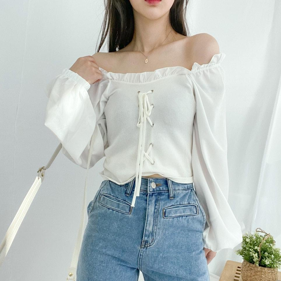 512 eyelet frill off-shoulder blouse