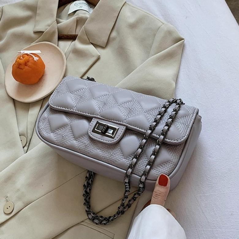 Urban Bros embossed chain leather bag