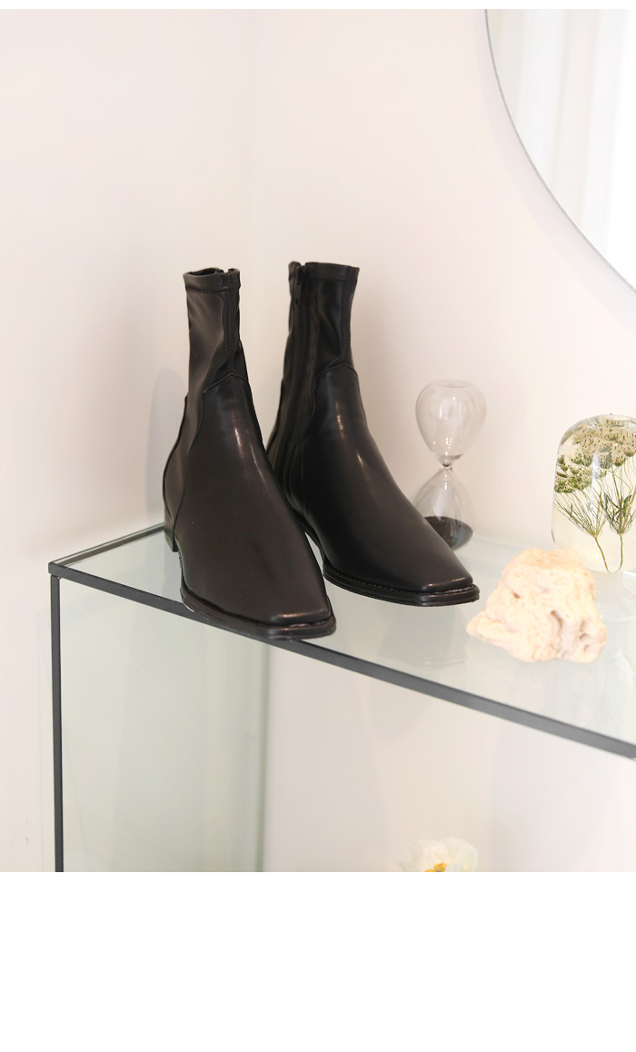 FLOW SQUARE WESTERN ANKLE BOOTS