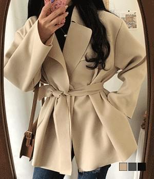 Qua Loose Wool Belt Short Coat 大衣外套