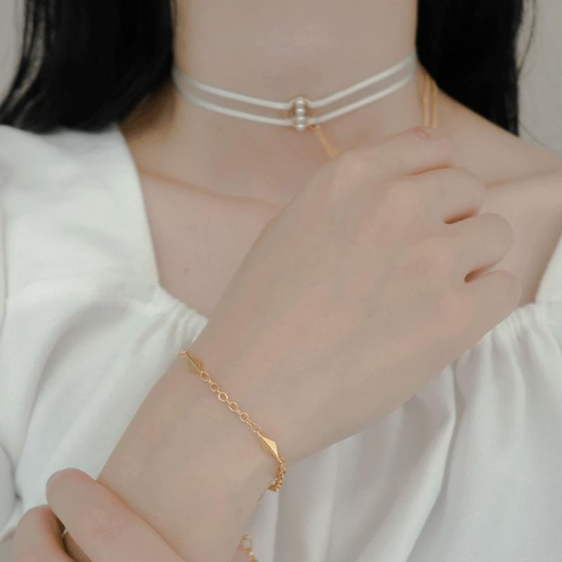 2100 rhombus point bracelet