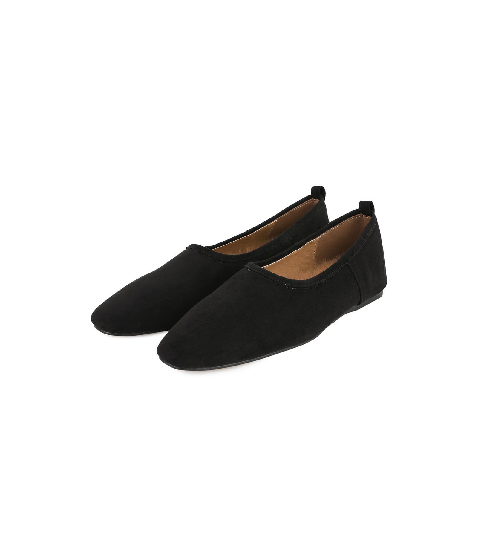 Hard basic flat shoes