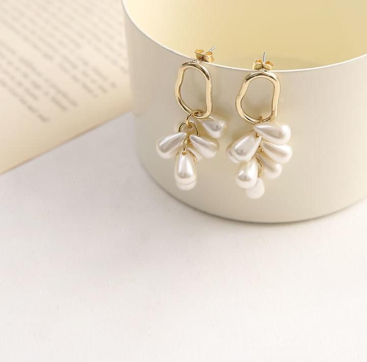 MOIS GOLD PEARL DROP EARRING ピアス / イヤリング