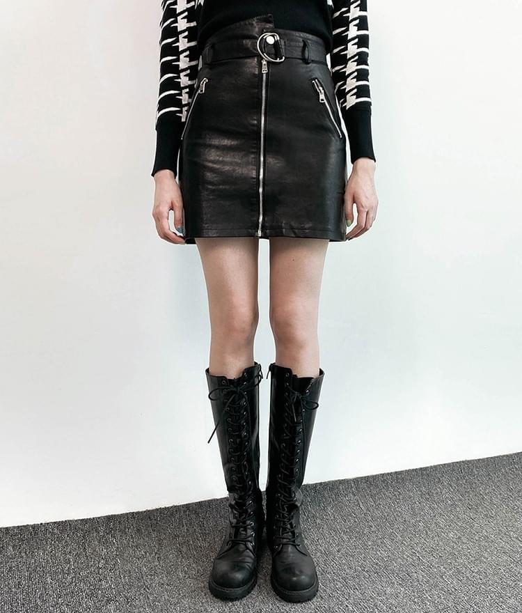 Leather mini belted skirt 裙子