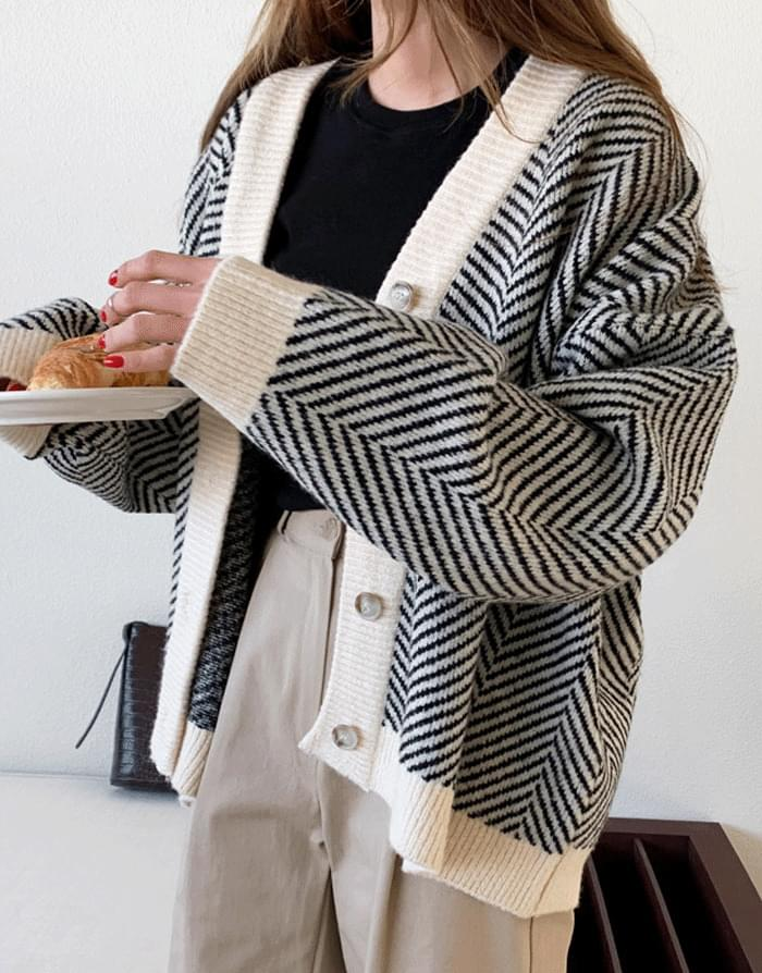 Justin Overfit Pattern Cardigan