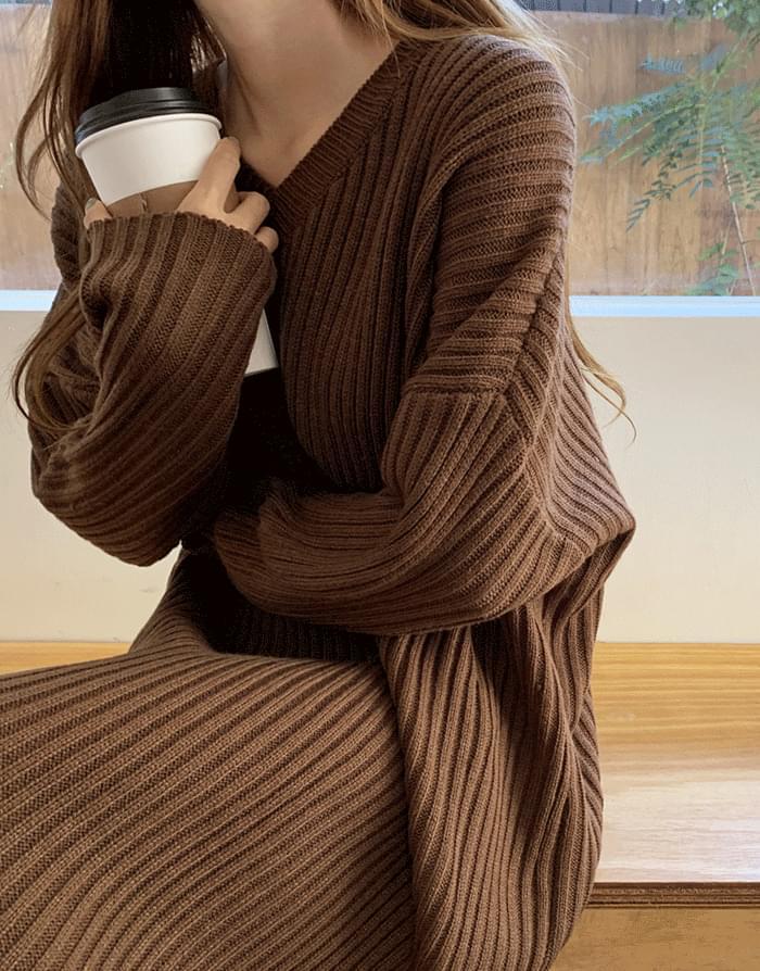 Robel Loose Fit V Neck Knit Long Dress