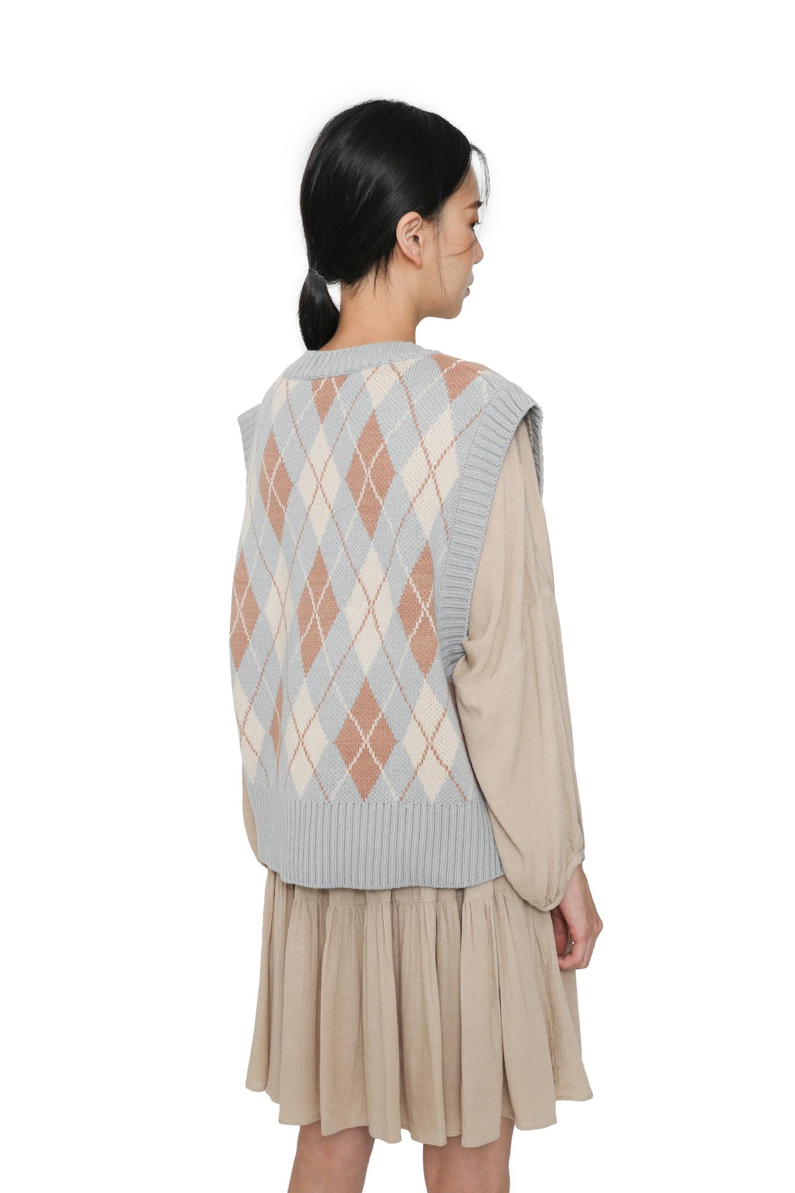 Argyle pattern pastel knit vest