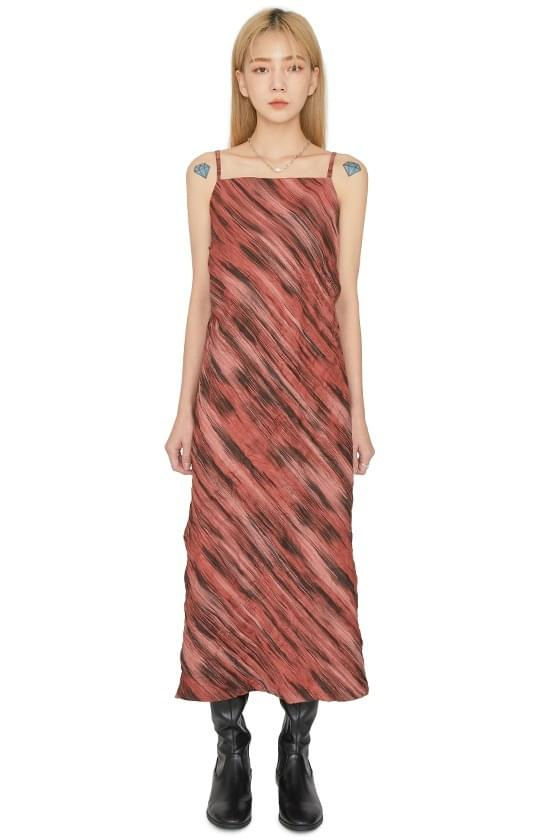 Carve wrinkle pattern maxi dress