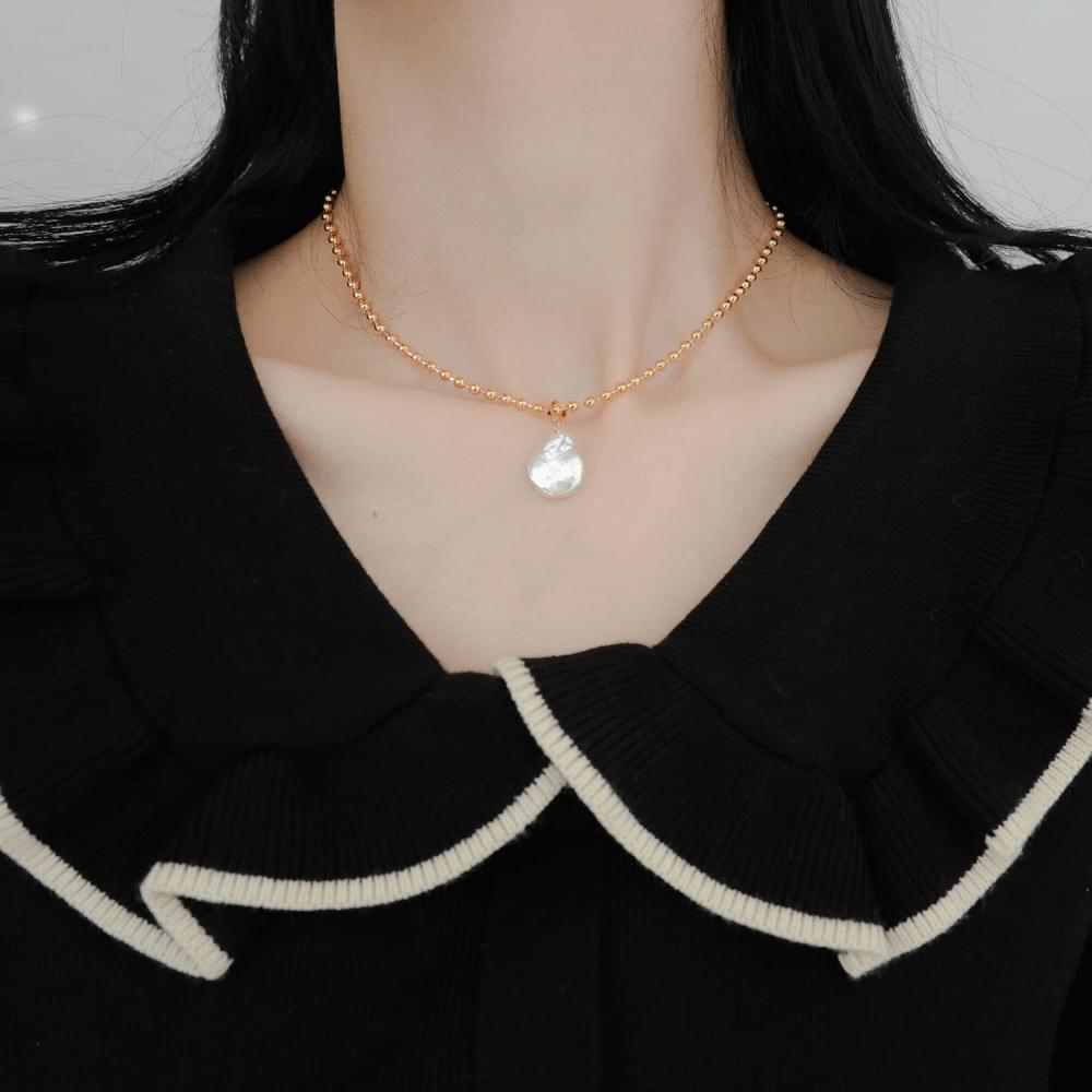 1717 Big Pearl Ball Necklace
