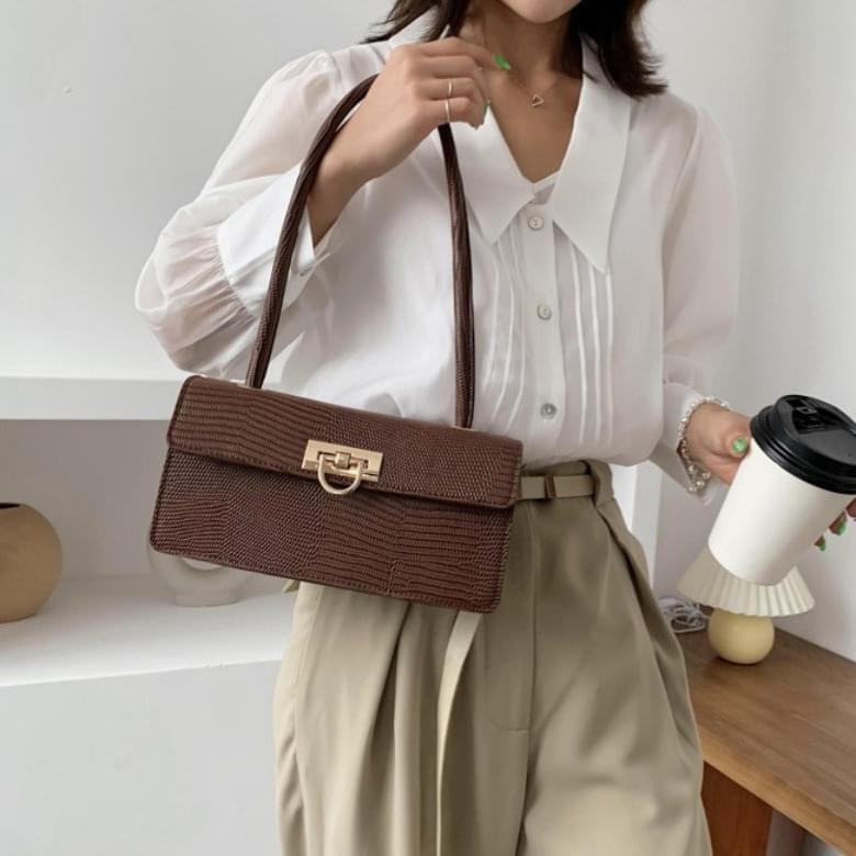 Urban Bros Ray rectangular feminine buckle leather bag