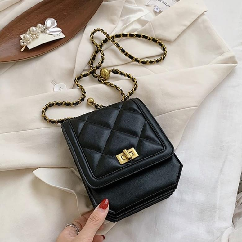 Urban Bros quilted cross mini leather bag