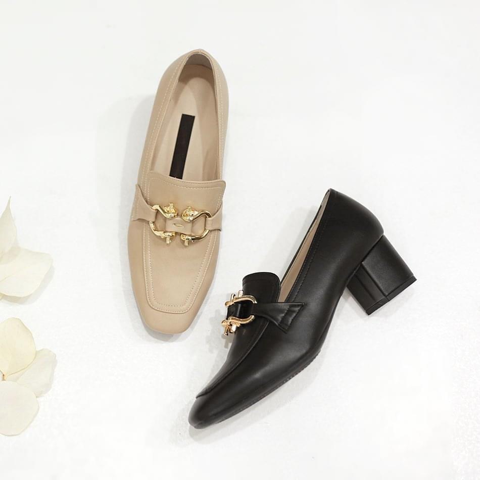 Regellan middle heel pumps 5cm