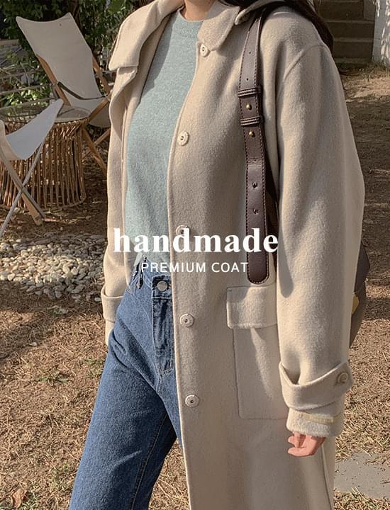 Hooded handmade coat