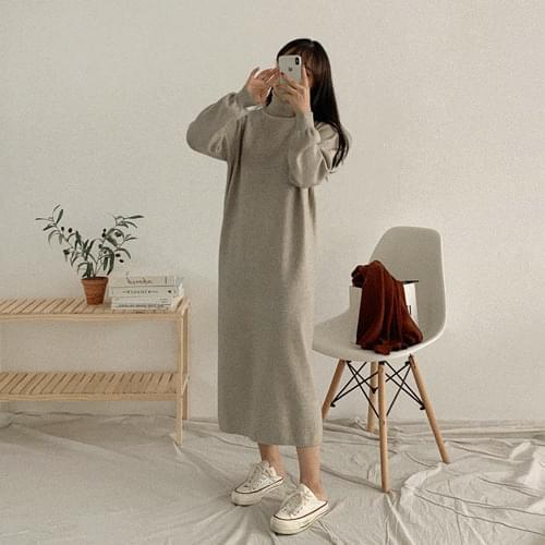 高領純色寬鬆長洋裝