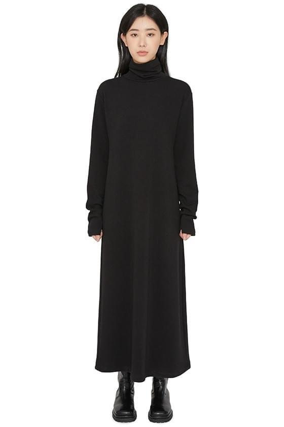 Sharon turtleneck maxi dress