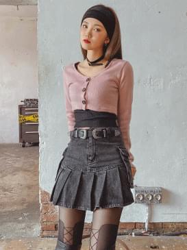 Peach Ant crop cardigan 開襟衫